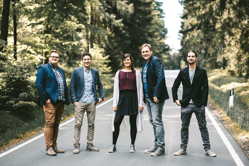 Ein Foto der Band Autumn Street.